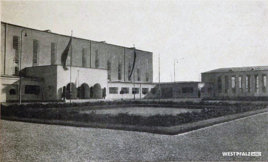 Blick auf die Ausstellungshallen von Nordosten