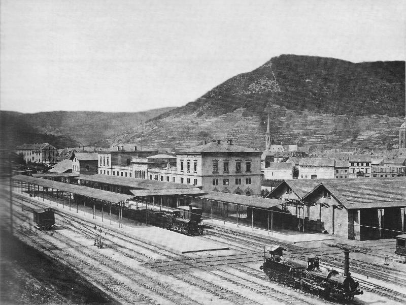 Eine Station der Pfälzer Ludwigsbahn: Der Bahnhof in Neustadt a.d.W. gegen Ende der 1860er Jahre.