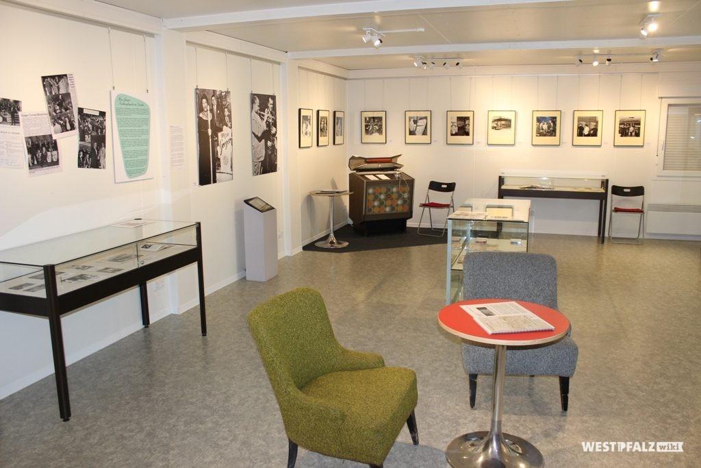 """Einblick in die Sonderausstellung des Museum Docu Center in Ramstein-Miesenbach zum Thema """"Max Greger swingt die Ami-Clubs"""""""