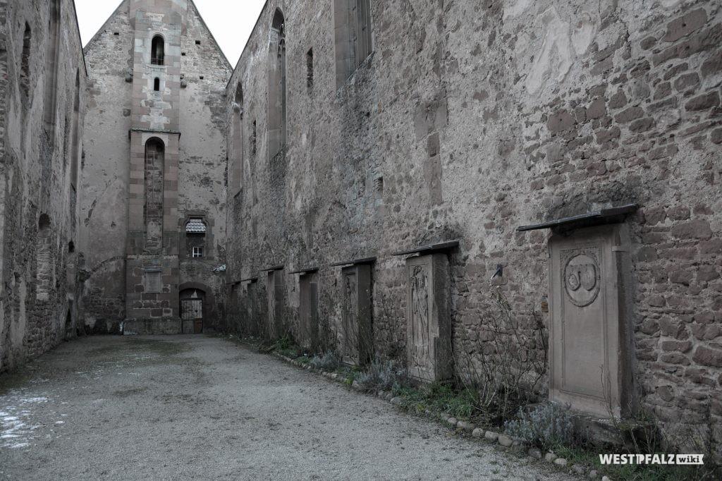 Ruine des Kloster St. Maria in Rosenthal.