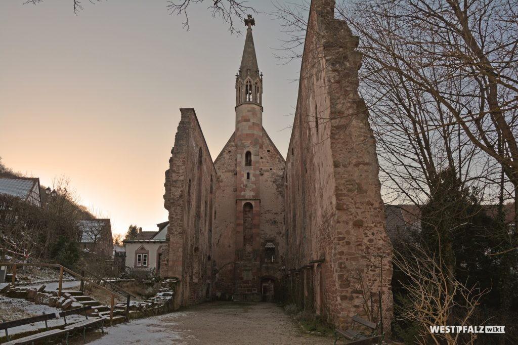 Die Ruine des Kloster St. Maria in Rosenthal aus östlicher Richtung.