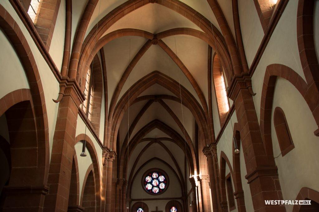 Kreuzrippengewölbe in der St. Norbert Kirche in Enkenbach