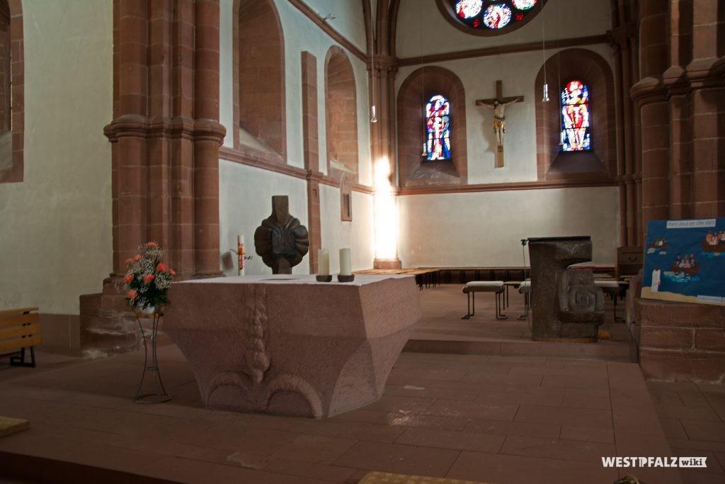 Altar in der St. Norbertkirche in Enkenbach
