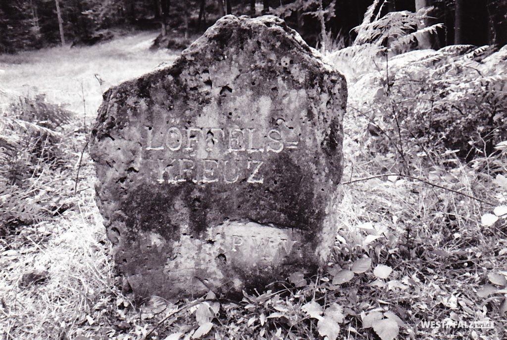 """Ritterstein """"Löffels-Kreuz"""""""