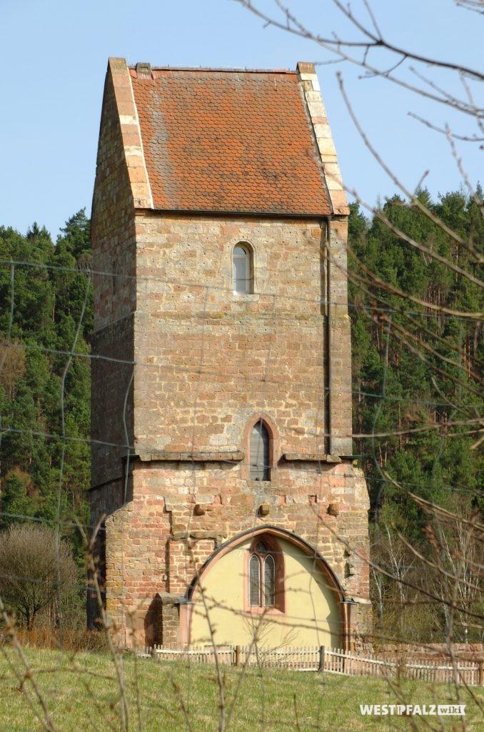 Turm von Süden, Dach mit Ortgangplatten.