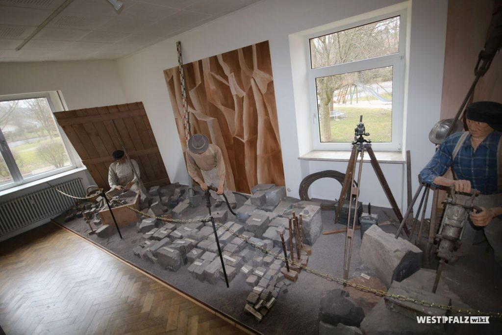 Ausstellungsraum im Steinbruchmuseum in Rammelsbach