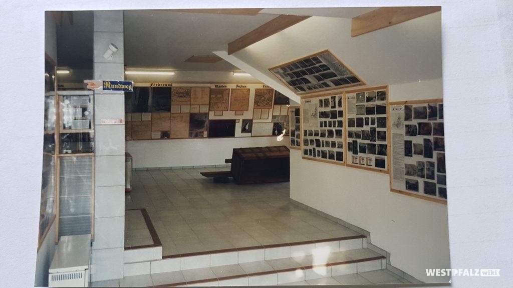 Blick ins Bergwerkmuseum in Niedermoschel