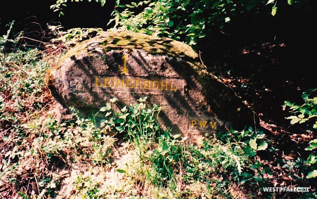 """Ritterstein mit der Inschrift """"Leimersohl"""" bei Waldleiningen"""