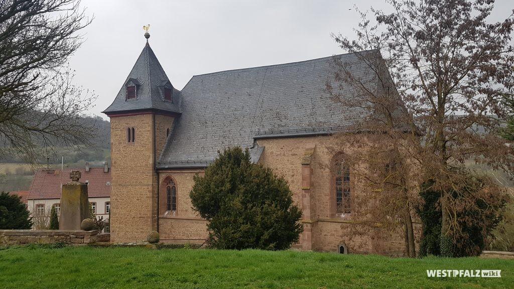 Simultankirche St. Valentin in Oberndorf von außen.