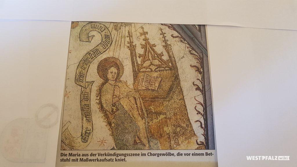 Die Maria aus der Verkündigungsszene im Chorgewölbe der Simultankirche.