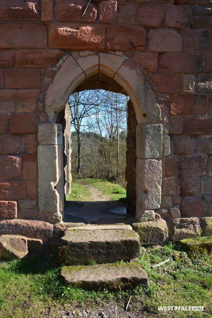 Burgeingang zur hinteren Burganlage