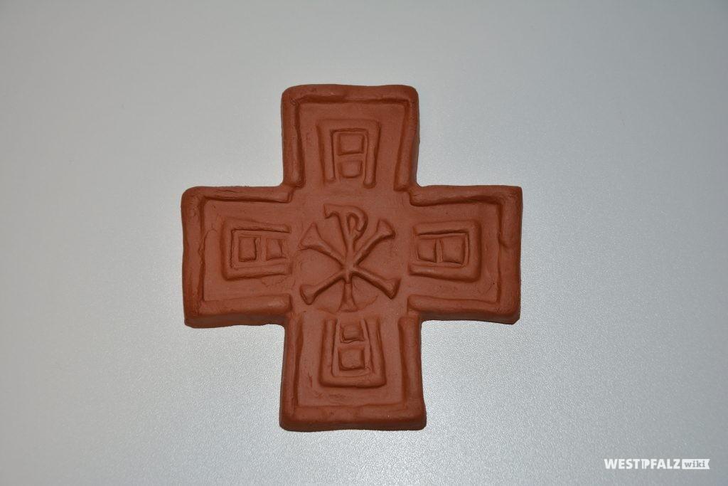 Eine Kopie des Eisenberger Brotstempels aus dem 4./5. Jahrhundert