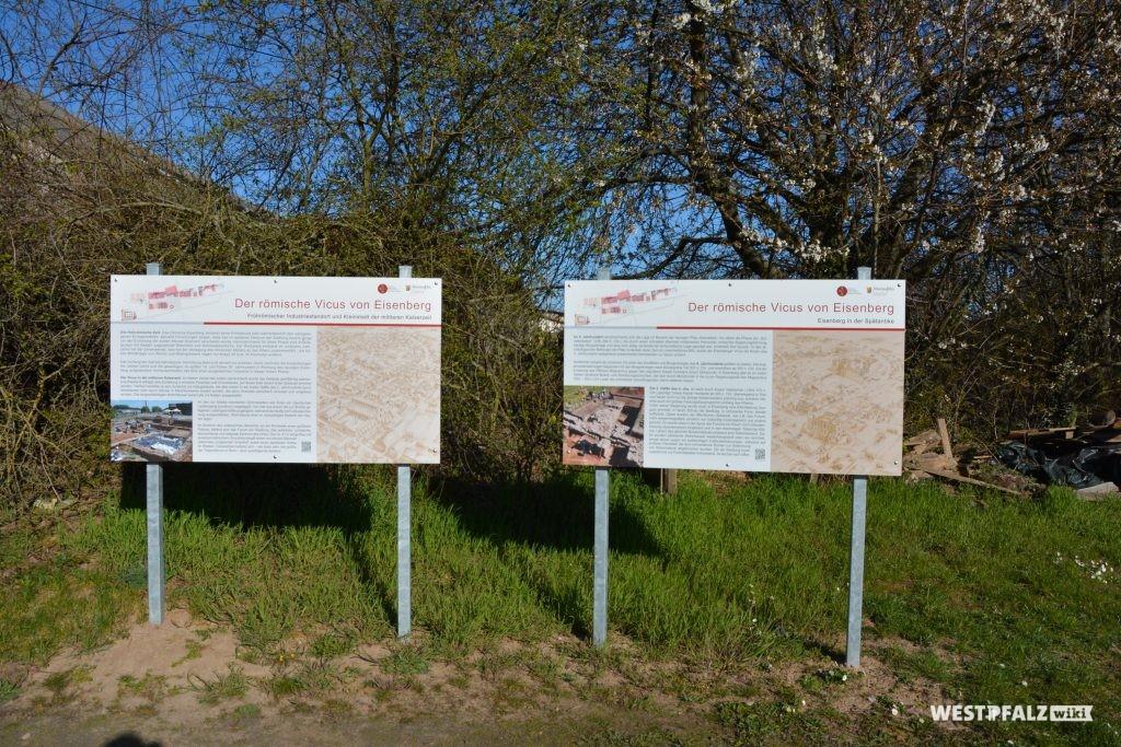 Informationstafeln über den Vicus in Eisenberg