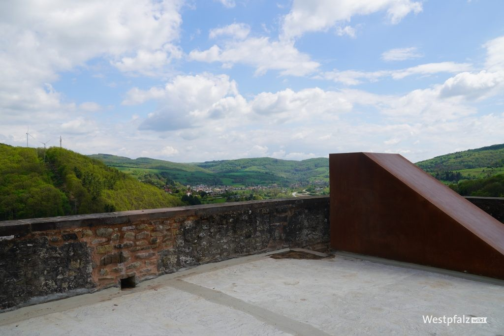 Aussichtsplattform der Ruine Alt-Wolfstein