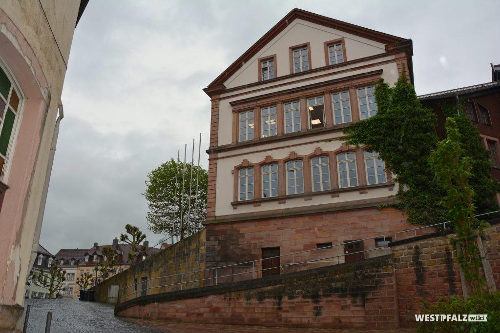 Blick von Norden auf das Rathaus in Kusel
