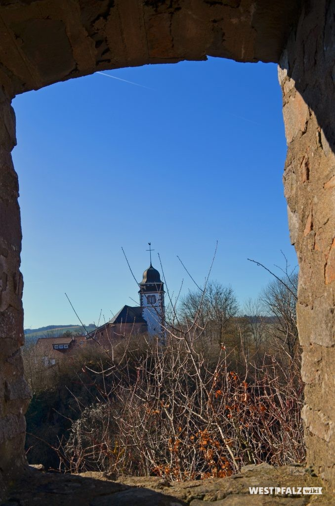 Blick von der Michelsburg auf die Probsteikirche St. Remigius