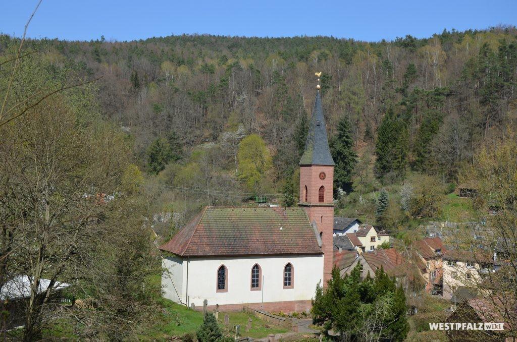 Blick von Südwesten auf die protestantische Kirche in Frankenstein