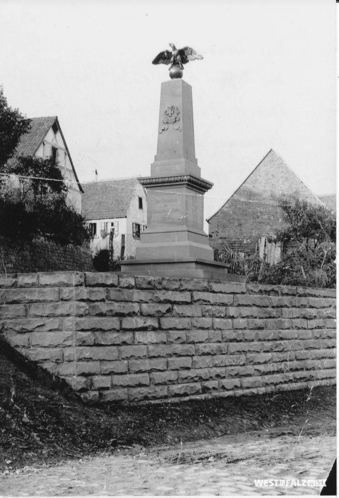 Alte Aufnahme des Kriegerdenkmals in Ramsen