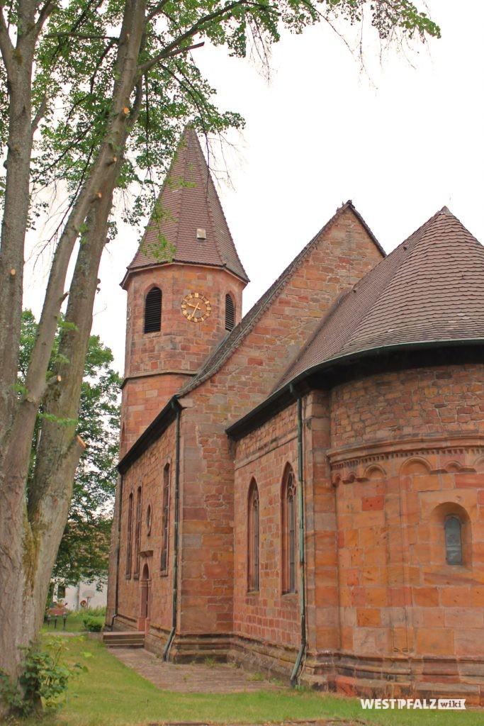 Südostansicht der Simultankirche in Vogelbach vom Chor in Richtung Kirchturm