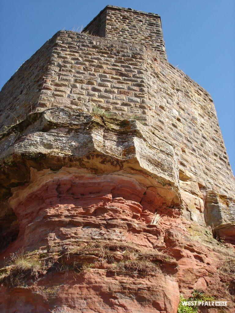 Bergfried und Mantelmauer