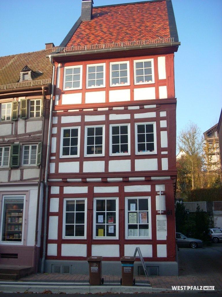 Außenansicht der alten Apotheke in Otterberg