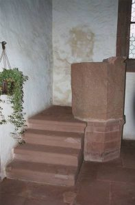 Annakanzel in der St. Anna Kapelle in Niederschlettenbach