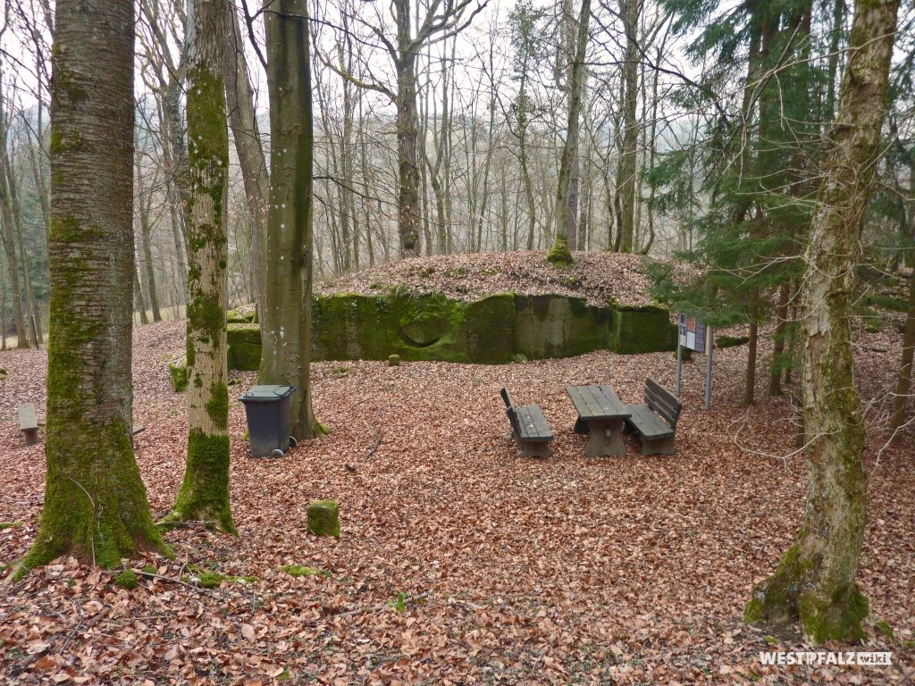 Teufelstein bei Frankelbach in den Wintermonaten