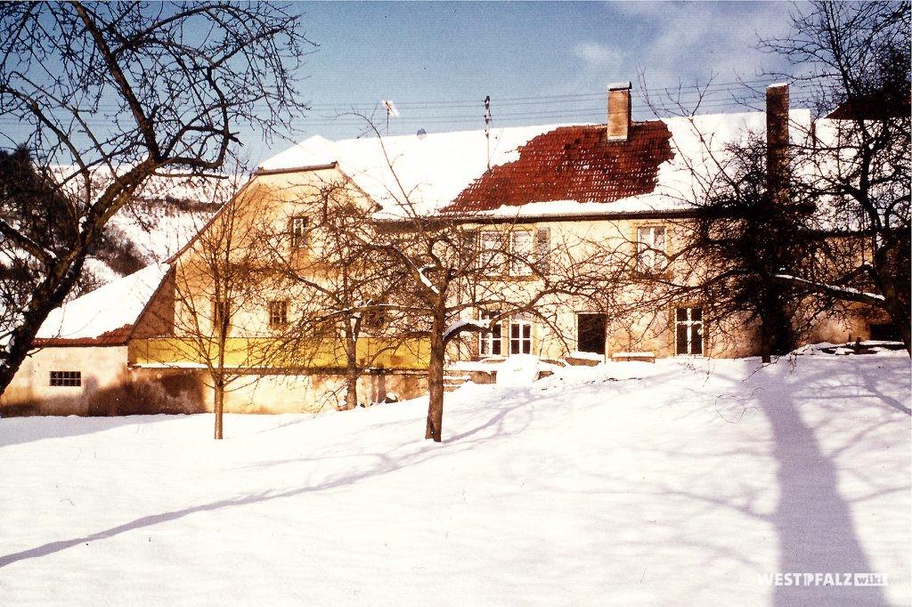 Die alte Mühle am heutigen Dorfplatz im Jahr 1970