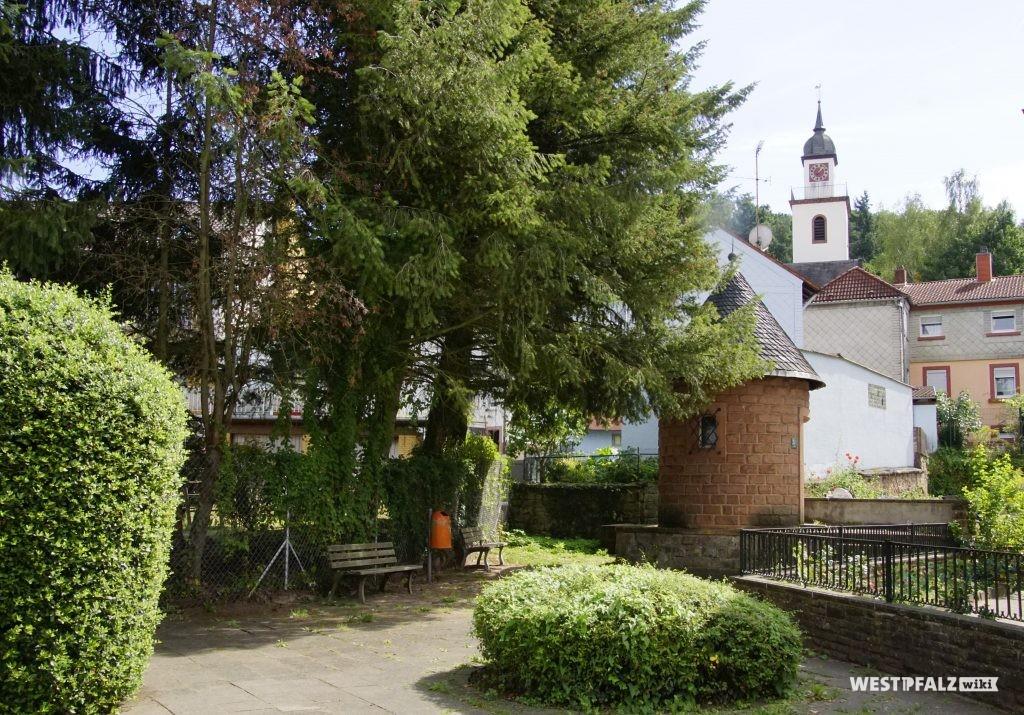 Röhrenbrunnen in Erfenbach