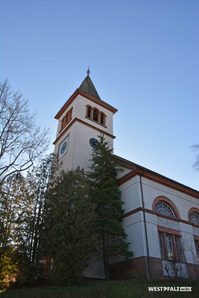 Kirchturm der protestantischen Kirche in Katzweiler