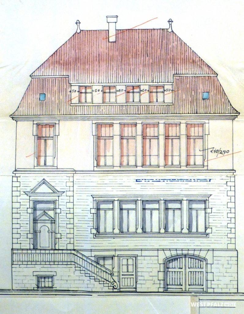 Bauplan zur Aufstockung des neuen Schulhauses von 1913. Das neue Stockwerk ist mit roter Farbe gekennzeichnet