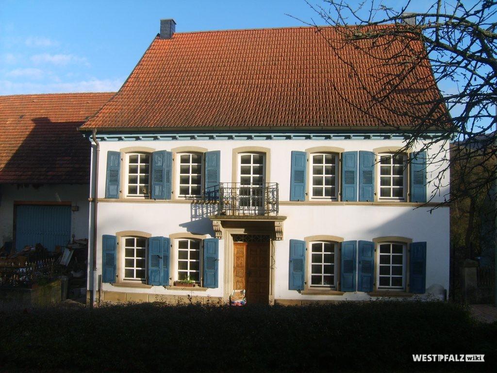Wohngebäude des Dreiseithofes in Hinzweiler