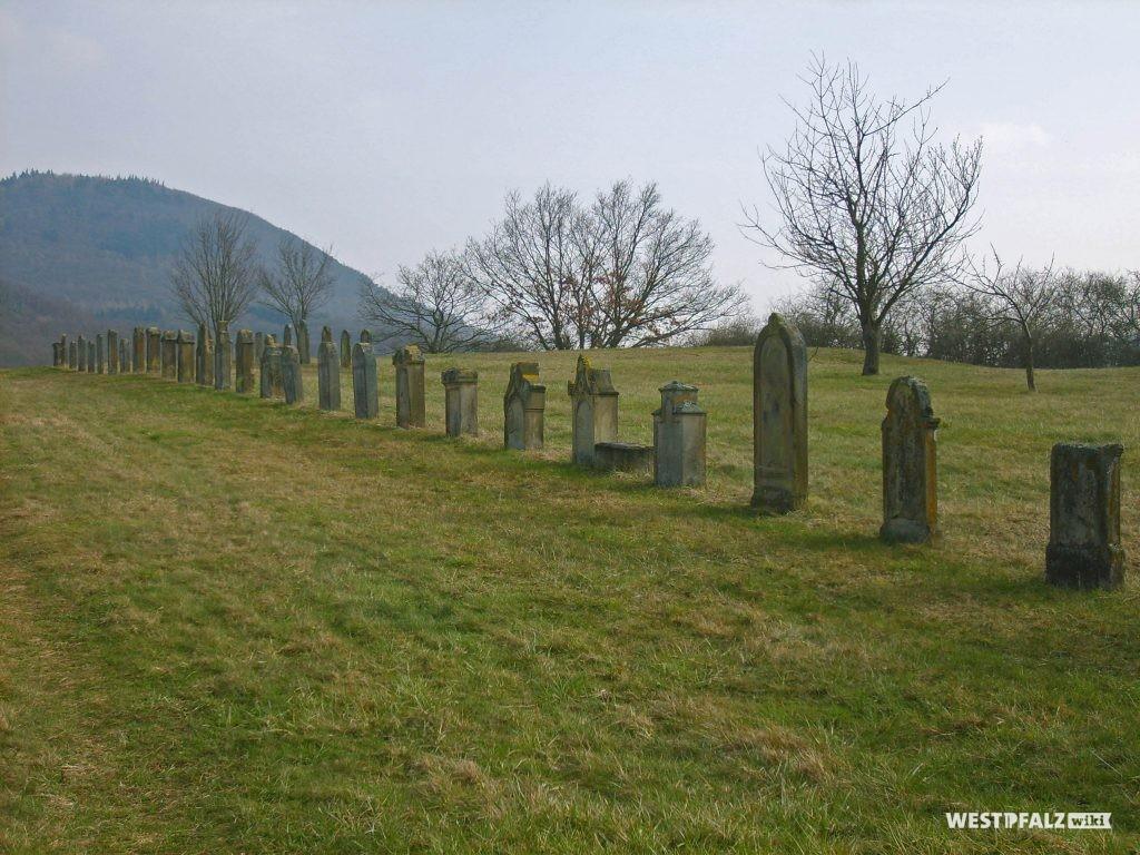 Blick über den jüdischen Friedhof in Richtung Südosten