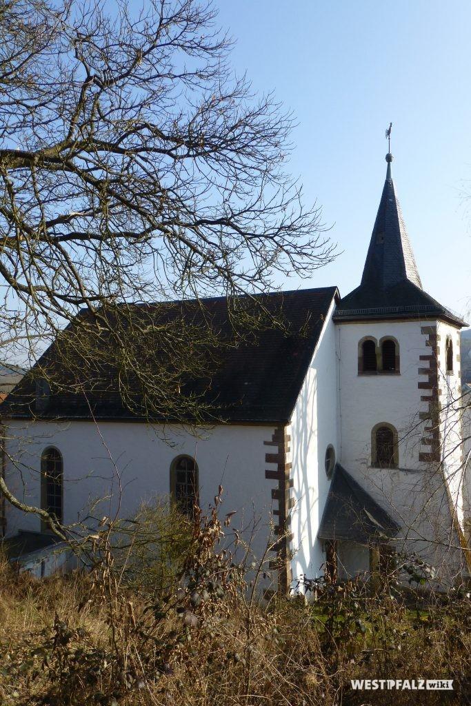 Westseite der protestantischen Kirche in Hinzweiler
