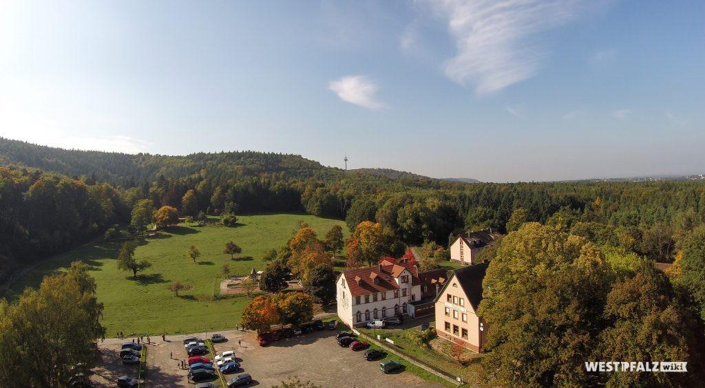 Luftaufnahme des Bremerhofs von Westen