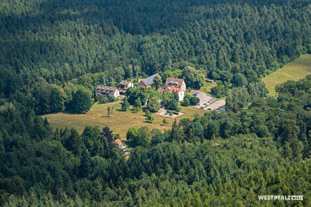 Luftaufnahme des Bremerhofs von Osten