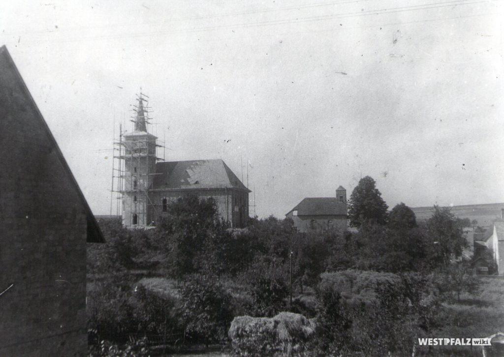 Katholische Kirche - kurz vor der Fertigstellung