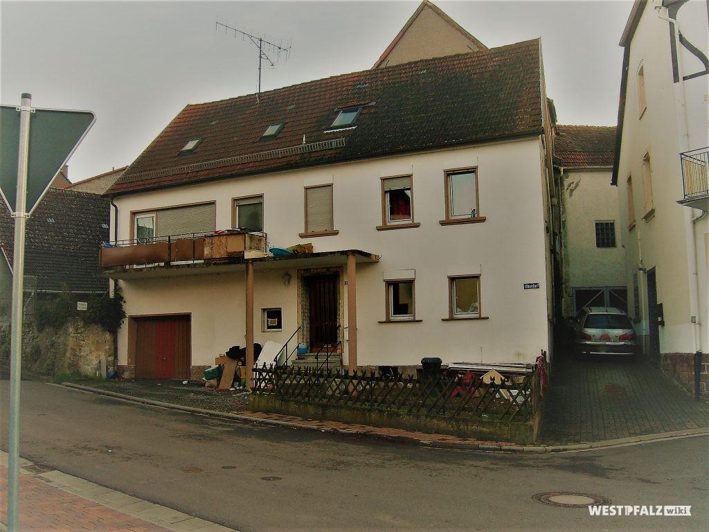 """Ehemaliges Wohnhaus """"Nickelhannesse"""" Oberdorf 2 in Hinzweiler"""