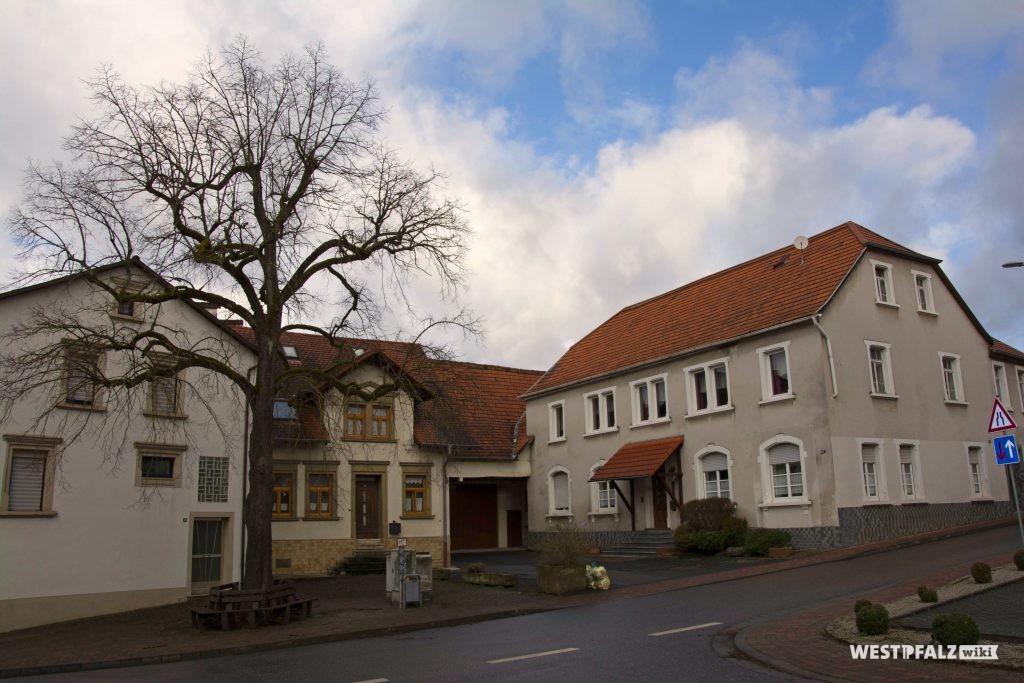 """Ehemaliges Gasthaus """"Zur Linde"""" in Hinzweiler"""