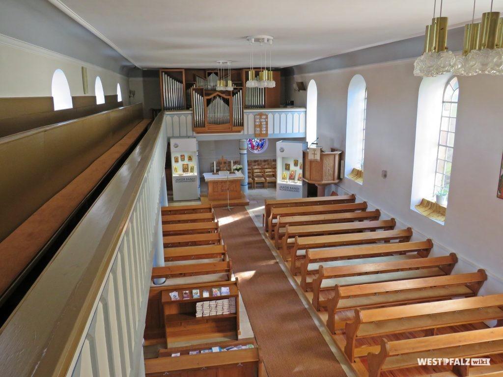 Protestantische Kirche - Kirchenschiff mit Blick von der Empore