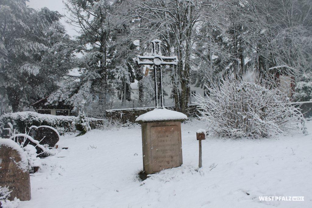 Kulturdenkmal - Grabmal von C. F. Brion aus dem Jahr 1857