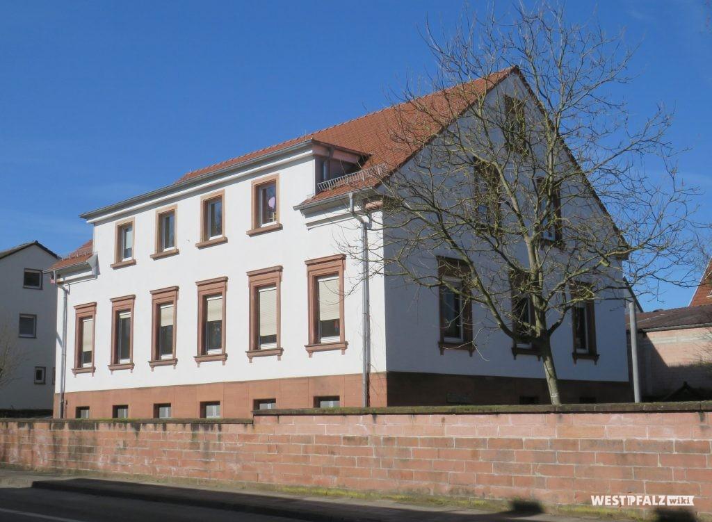 Ehemaliges Pfarrhaus - heute städtischer Kindergarten