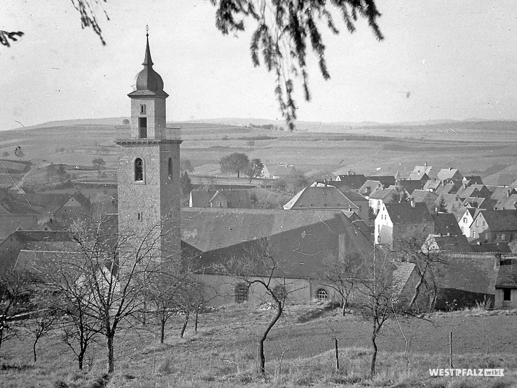 Protestantische Kirche - Fertiggestellte Kirche