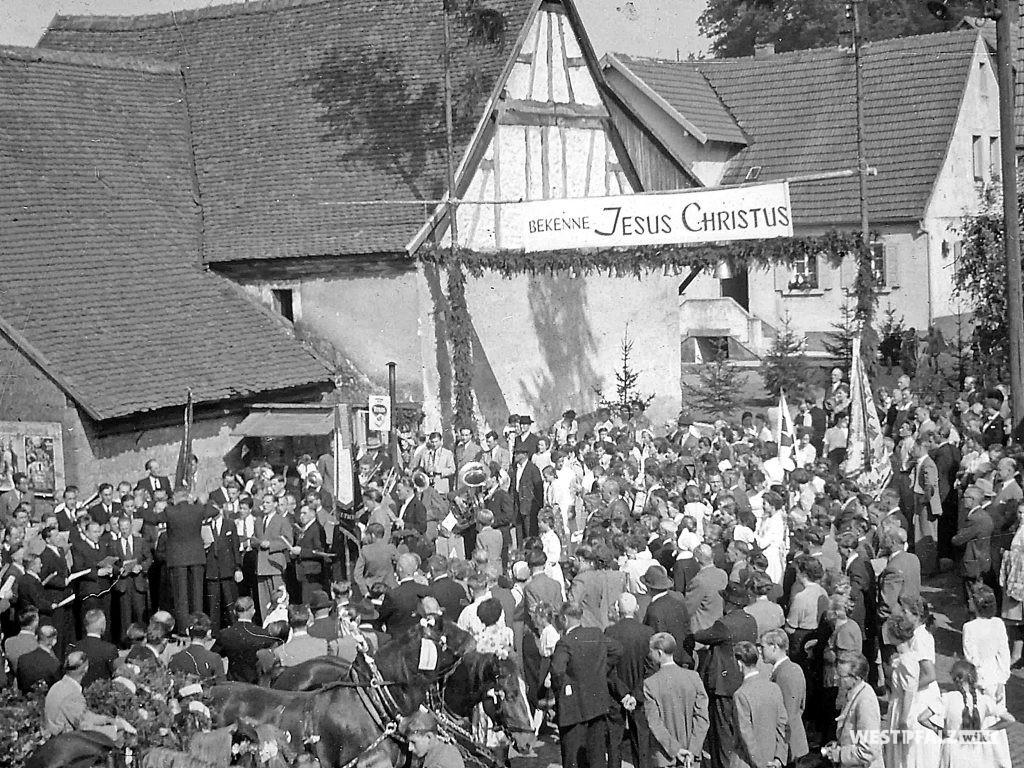 Protestantische Kirche - Einholung der Glocken