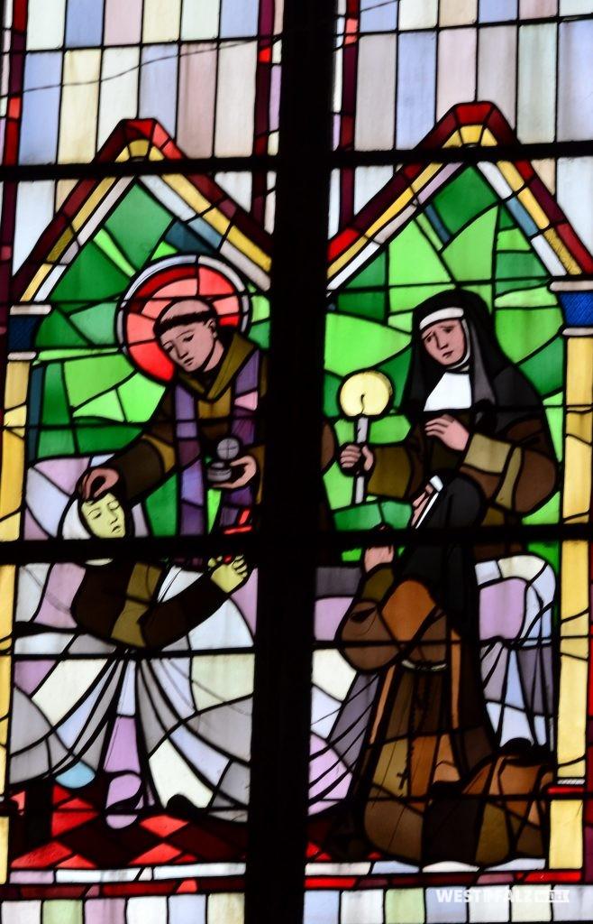 Kirchenfenster der St. Laurentius Kirche