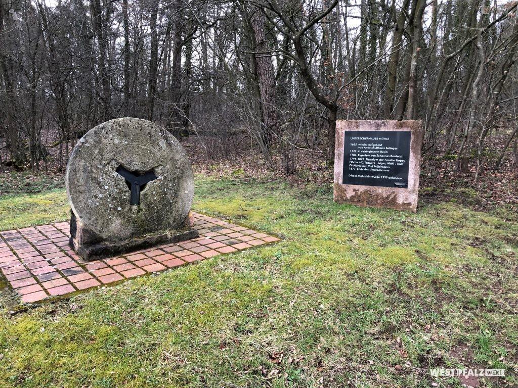 Gedenkplatz der Unterschernauer Mühle in Ramstein