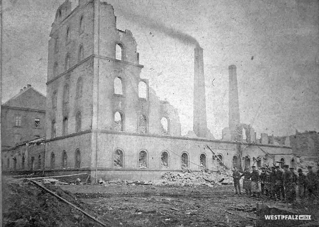 Spinnerei Lampertsmühle - abgebranntes Fabrikgebäude