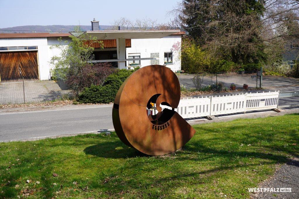 """Skulptur """"Hören"""" - eine der fünf Sinnesskulpturen"""