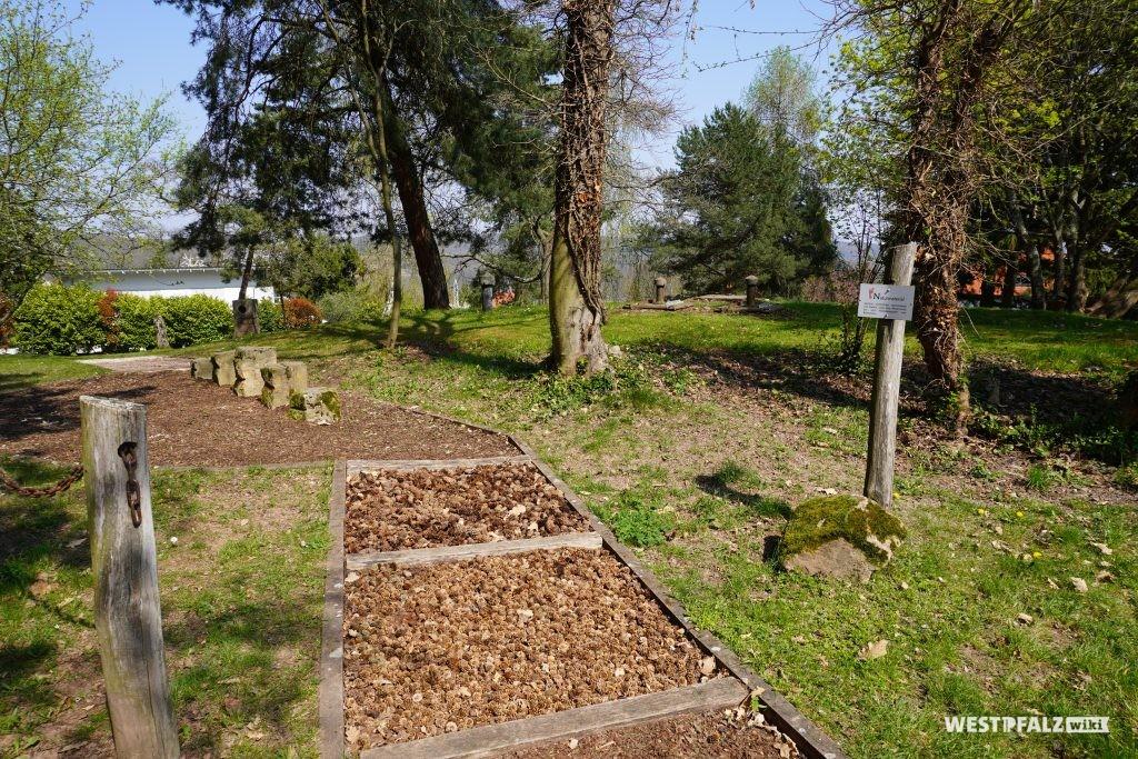 Barfußpfad im Park der Sinne