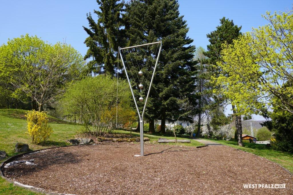 Dreizeitenpendel im Park der Sinne